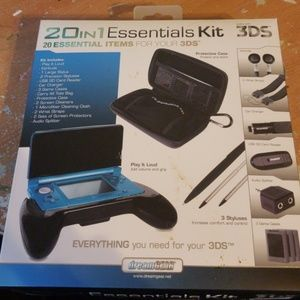 20 in 1 essentials kit for 3DS by dreamgear